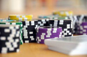 Hoe speel je 3-card poker?
