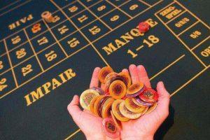 Gokken is verplaatst naar het internet. Hoe wordt het valsspelen voorkomen?