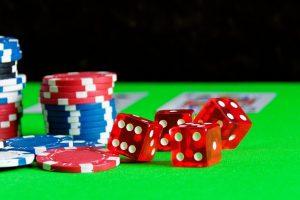 Hoe poker professionals keer op keer weten te winnen